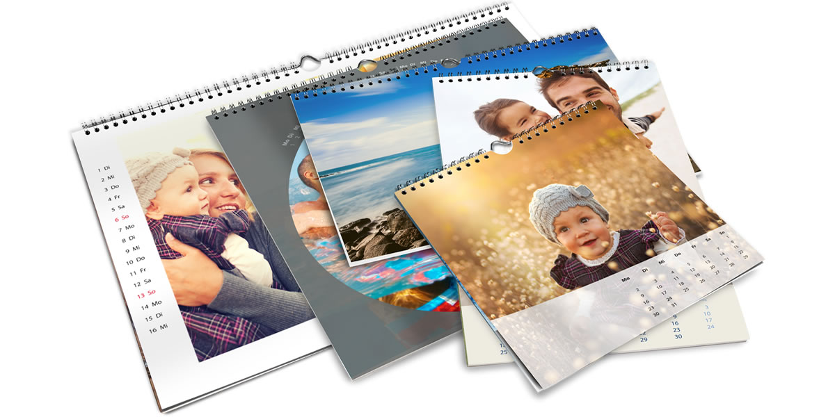 The photo calendar is available in different sizes, from 20 x 20 cm to 50 x 75 cm.
