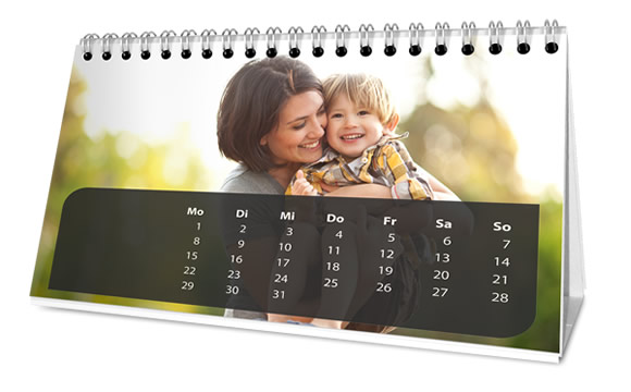 Wonderful table calendar with your favorite photos