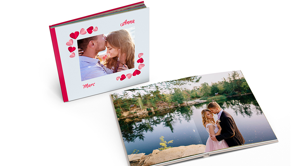 £ 10 Discount on 21 x 28, 28 x 28 Photobooks*