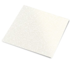 Pearl paper containing characteristic shimmer reflections